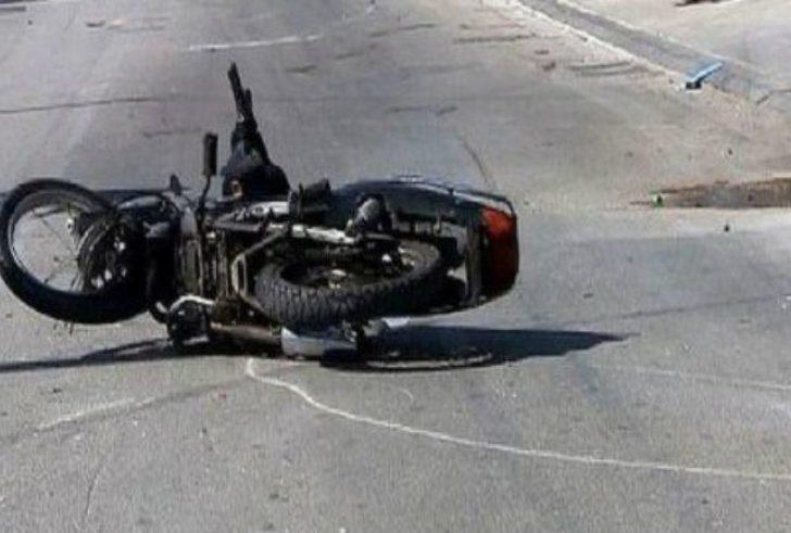 Στο νοσοκομείο 35χρονος Λαρίσαιος μετά από σύγκρουση μηχανής με αυτοκίνητο