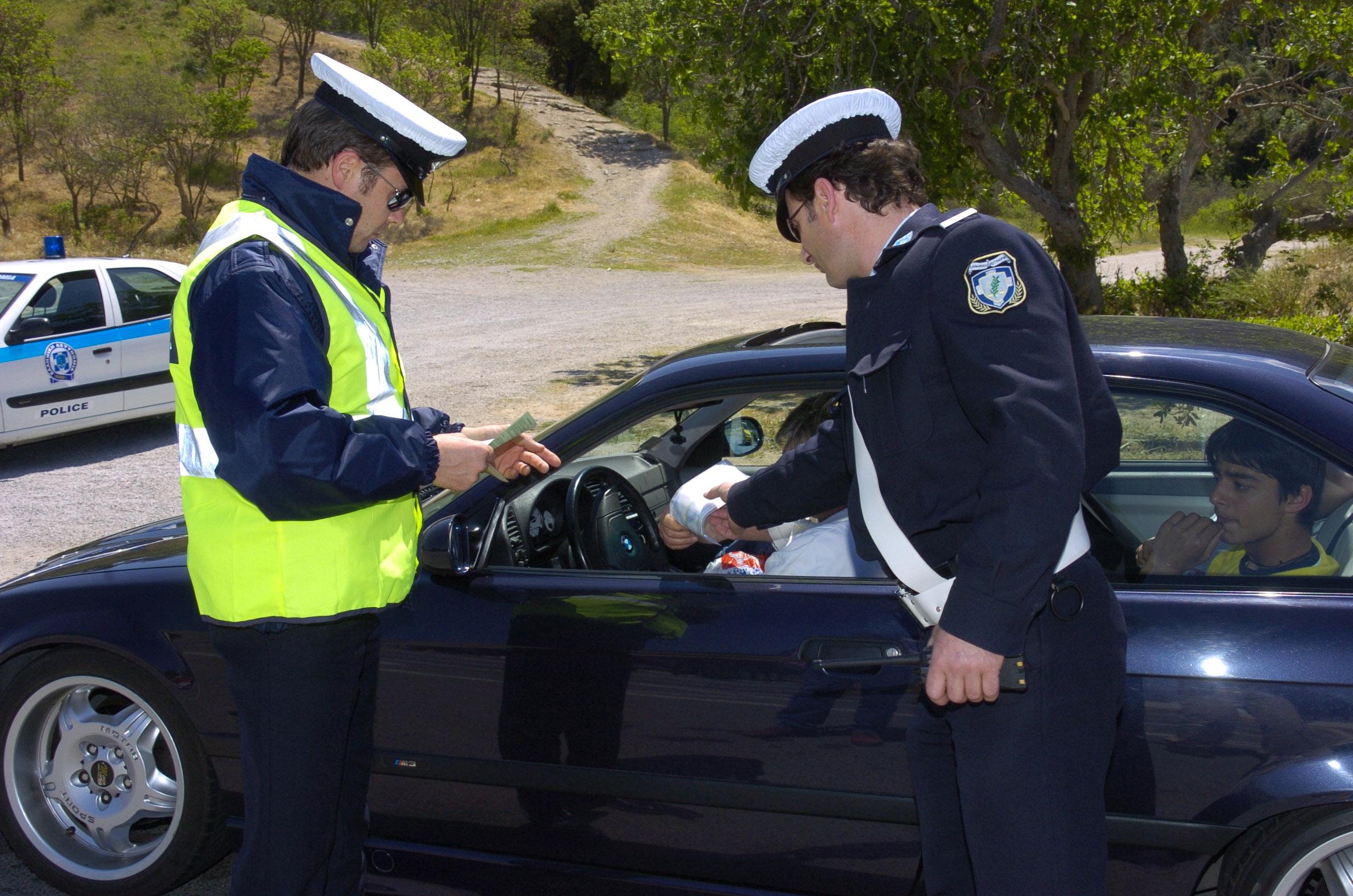 Οδηγούσαν χωρίς δίπλωμα σε Βόλο και Σκιάθο – Συνελήφθησαν 7 δικυκλιστές