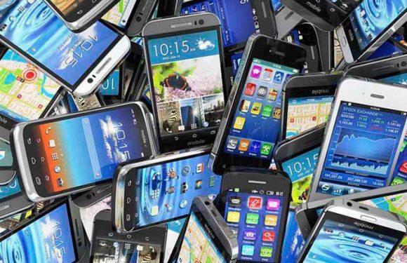 Μείωση 15,5% κατέγραψαν οι αποστολές έξυπνων κινητών τηλεφώνων το 2018