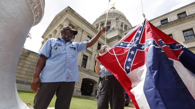Αφαιρείται από τη σημαία του Μισισίπι το έμβλημα της Συνομοσπονδίας των Νότιων