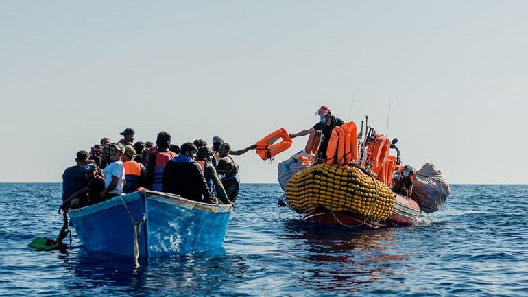 Αναχαιτίστηκε πλοίο με 276 μετανάστες