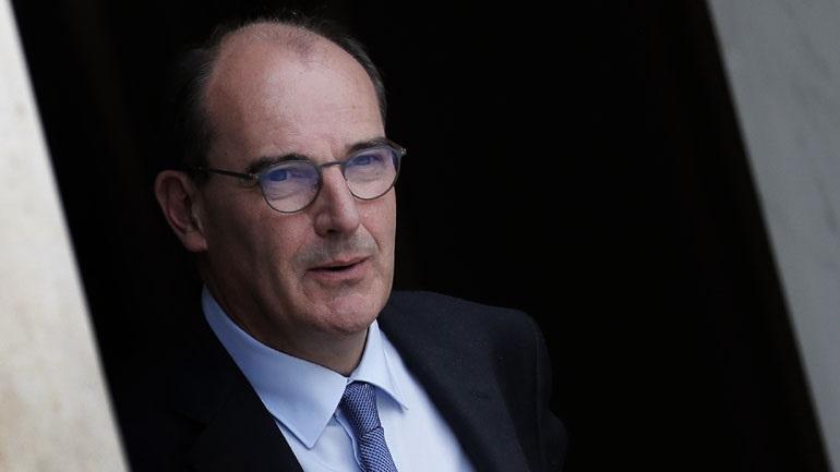 Η Γαλλία μεταθέτει δύο κρίσιμες κοινωνικές μεταρρυθμίσεις
