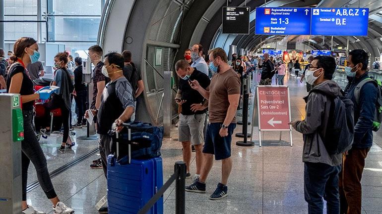 Οι υπουργοί Υγείας των κρατιδίων κατέληξαν σε συμφωνία για προαιρετικά τεστ κορωνοϊού στα αεροδρόμια