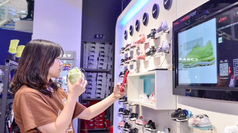Η Κίνα επιστρατεύει τις σύγχρονες τεχνολογίες για να ενισχύσει την εσωτερική αγορά