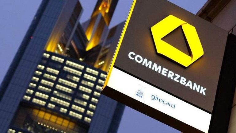 Προχωρά σε write-off 1,5 δισ. ευρώ, ενώ αυξάνει τις προβλέψεις για επισφαλή δάνεια