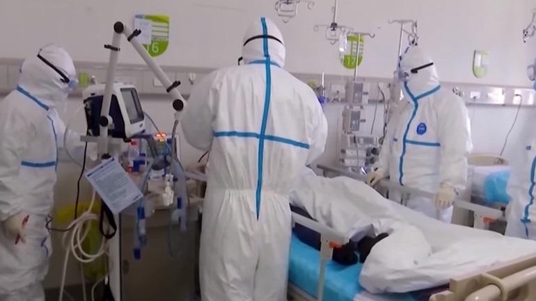 Τα νοσοκομεία δέχονται τεράστια πίεση λόγω Covid-19