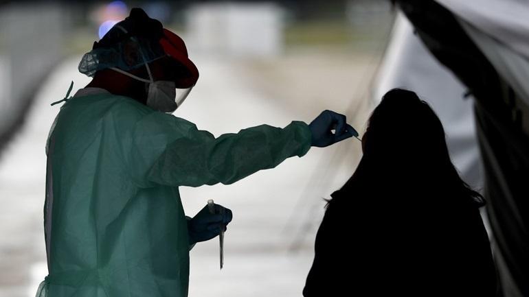 Αυξάνονται οι εισαγωγές λόγω κορωνοϊού στα νοσοκομεία