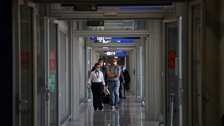 Αυστηροποιούνται οι κανονισμοί για τα τεστ κορωνοϊού για τους ταξιδιώτες εκτός ΕΕ