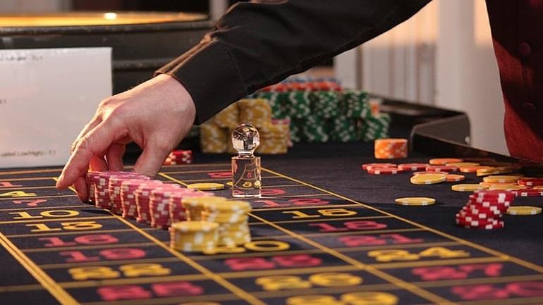 Στον «αέρα» τινάζει το Συμβούλιο της Επικρατείας τη μεταφορά του καζίνο της Πάρνηθας στο Μαρούσι