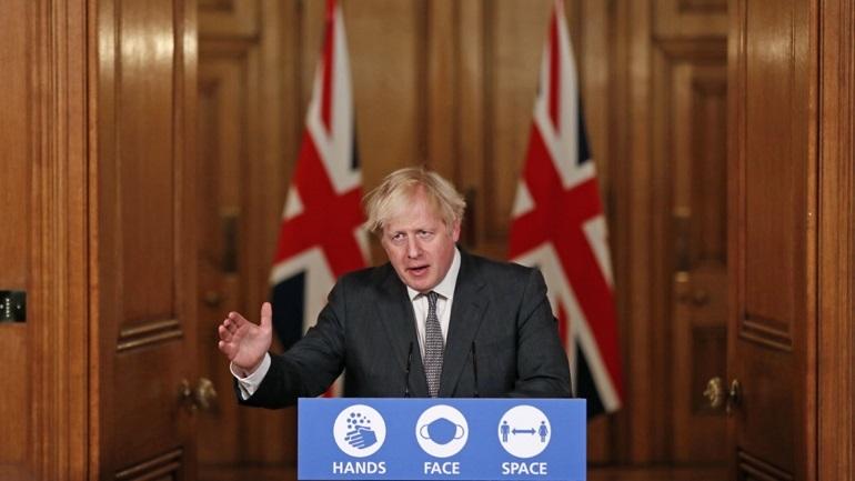 """Ο Τζόνσον καλεί τους Βρετανούς να το """"σκέφτονται δύο φορές"""" προτού βγουν από το σπίτι τους"""