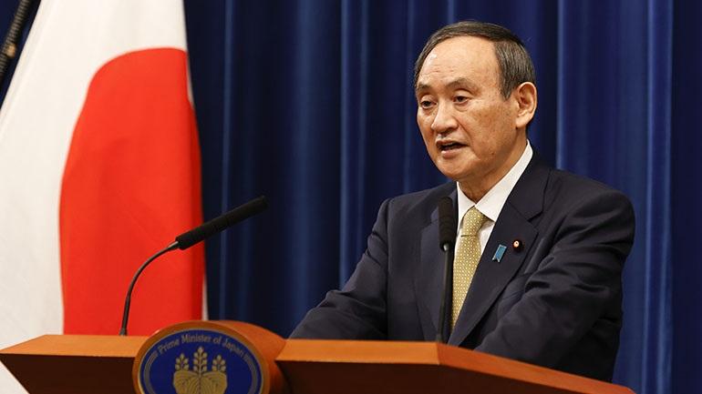 Στο 39% μειώθηκε η δημοτικότητα του πρωθυπουργού Γιοσιχίντε Σούγκα λόγω της πανδημίας