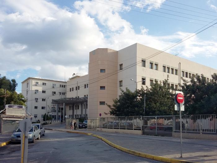 Γεμίζει η κλινική Covid-19 του νοσοκομείου Αγίου Νικολάου