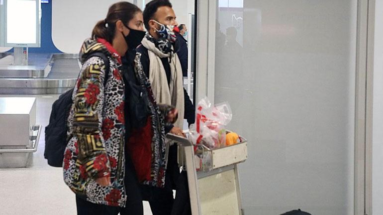 Ο Περικλής Κονδυλάτος και η Έλενα Μαριπόζα επέστρεψαν στην Ελλάδα