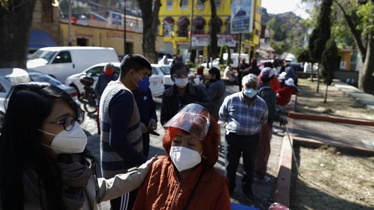 Ξεπέρασαν τους 188.000 οι νεκροί στο Μεξικό